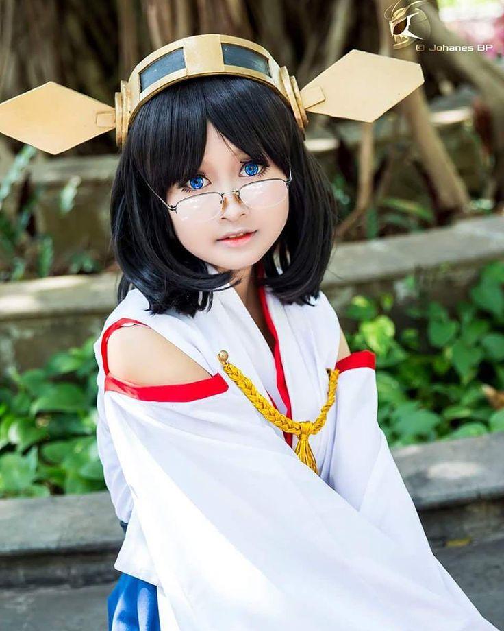 Lanjut dari KanColle lagi giliran Kirishima sekarang. Gadis imut berkacamata ini adalah adik bungsu dari Kangou dan meskipun terlihat lemah namun dia memiliki kekuatan tempur yang tidak kalah dengan kakak2nya. Cosplayernya pas banget cosuin si Kirishima dg wajah innocent nya namanya kak Ulfie dari Jakarta. Chara : Kirishima Series : Kantai Collection CN : Ulfie Yoan Nita @ulfisone1927 Kameko : Johanes BP #cosplay #cosplayer #cosplaygirl #cosplayindonesia #cosplayerindonesia #animecosplay…