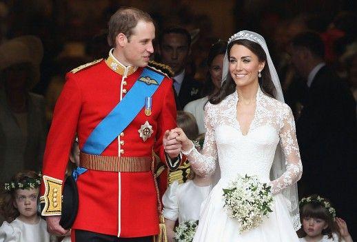 Herzogin Kate begeisterte bei ihrer Hochzeit mit Prinz William 2011 nicht nur mit ihrem strahlenden Lächeln, sondern auch mit ihrem Kleid. Nun werden Vorwürfe erhoben, das Design von Alexander McQueen sei eine Kopie gewesen.