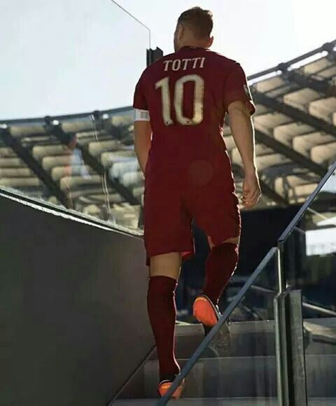 The Legend!!! Goodbye Totti 10 !!!