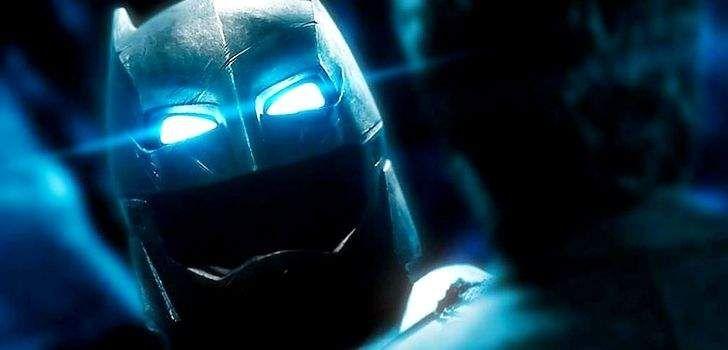 """""""Diga-me, você sangra…? Vai sangrar"""". A icônica frase proferida por Batman para o Superman foi uma das mais reproduzidas no ultimo ano, desde que o primeiro trailer do filme foi liberado. Agora, finalmente sabemos em qual cena e contexto ela foi dita! A cena foi liberada pelo diretor Zack Snyder no twitter, e mostra um …"""