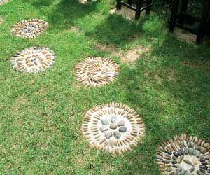 Une allée en pas japonais - Des ronds dans l'herbe
