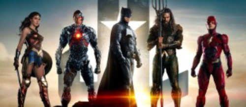 Warner y DC Comics han publicado el primer tráiler oficial de la película 'Liga de la Justicia'.Ha pasado casi un año desde el primer teaser pero ya, por fin, está aquí el primer tráiler oficial de 'Liga de la Justicia', la película que reunirá a Batman, Flash, Cyborg, Wonder Woman y Aquaman. Y sí, claro, Superman también tendrá su cuota de pantalla a pesar de lo visto en 'Batman v....