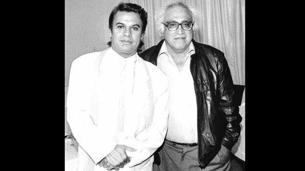 Carlos Monsiváis con Juan Gabriel