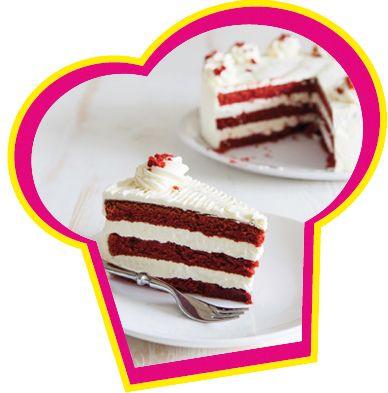Een heerlijke red velvet cake met cream cheese glazuur.
