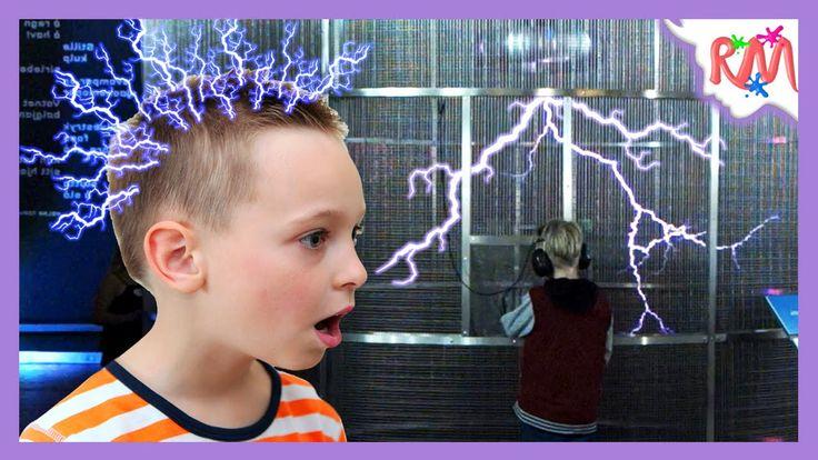 Electro Boy and singing lightning - Tesla Coil playing music. Super cool...