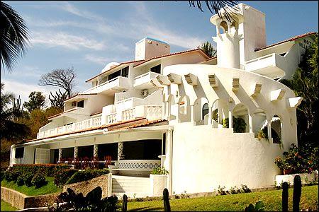 HOTEL VILLAS CORAL, HUATULCO, OAXACA, MEXICO.  4 Estrellas