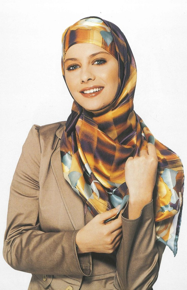 Aker Eşarp / Scarf - 2004 S/S #aker #scarf #esarp #hijab #fashion #silk #scarves #paris #moda #vogue #tesettur #model #mode #style #pattern #babushka #kerchief #shawl #wrapper #trend #aker #akeresarp #akerscarf