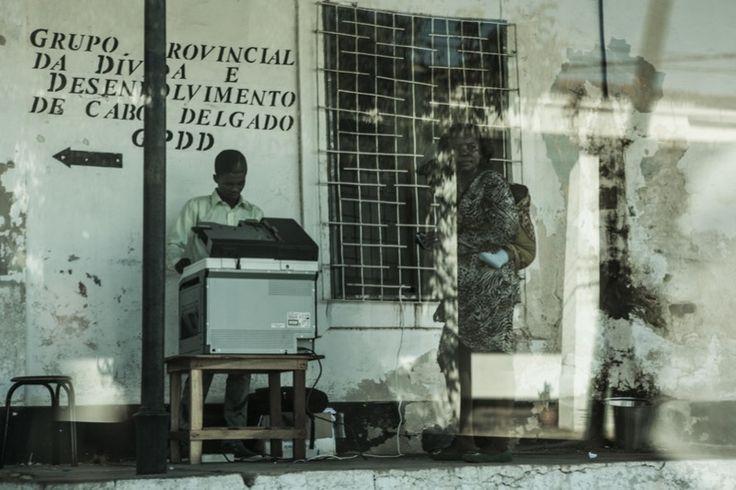 Parlano di noi nell'Inserto La Lettura del Corriere della Sera http://www.ilteatrofabene.it/prof-di-matematica-sul-serio-e-medico-per-scherzo-larlecchino-del-mozambico/ #jacopofo #ilteatrofabene #africa #mozambico