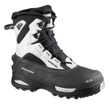 When it's time to leave the streets and head out on the trail this winter, be sure you're equipped with the Salomon Toundra Mid WP Winter Boot for Women. The Toundra handles extreme cold without problem thanks to the advanced Aerogels insulation, which provides super lightweight warmth. A waterproof membrane keeps your foot dry, and a faux-fur lining makes the interior extra cozy.