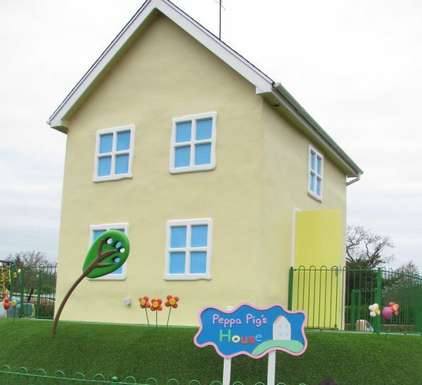 Stay Over Night at Peppa Pig World - In The Playroom