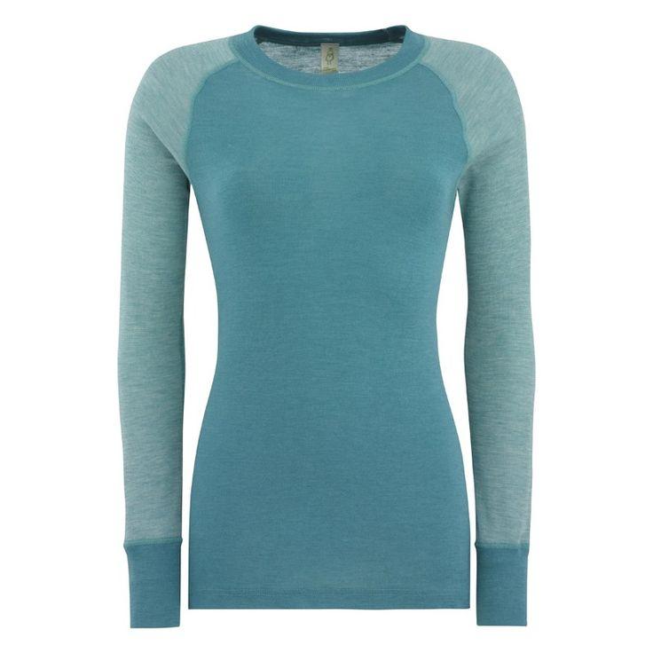 Sportstrøye dame, ull/silke: Langermet trøye med raglanermer. 70% merinoull, 30% silke. fra Nøstebarn.