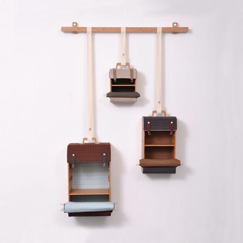 woonhome-interieur-hout-design-nederlandse-designers-houten-tassenkast-lotty-lindeman