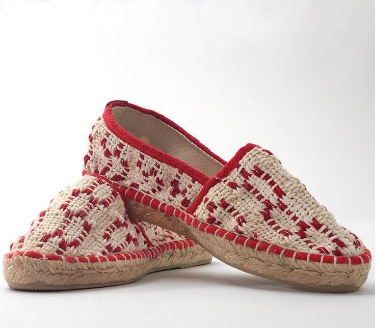 Espadrillas in handwoven fabric. 100% cotton. Lontra Red.