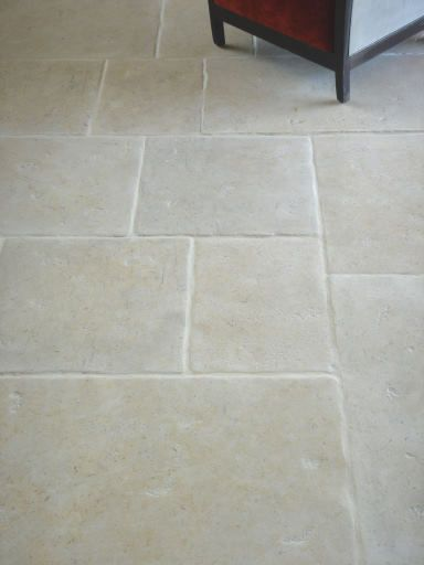 Limestone flooring with underfloor heating