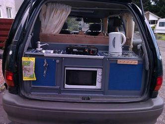 Very nice looking kitchen box.  In a site devoted to DIY conversion of Toyota mini vans  Zen Adventure Previa Campers Page
