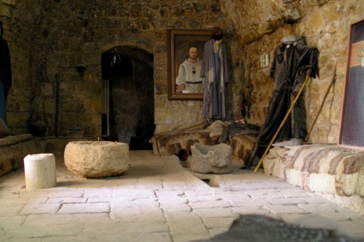 Cos'ha imparato a Nazareth Charles de Foucauld.