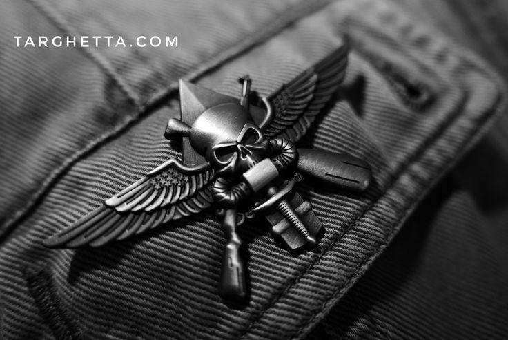 attraverso il nostro sito https://www.spille.com siamo in grado di progettare, produrre e commercializzare i migliori distintivi militari, le più belle spille personalizzate da giacca, le pins e le spillette personalizzabili come da vostro progetto creativo.