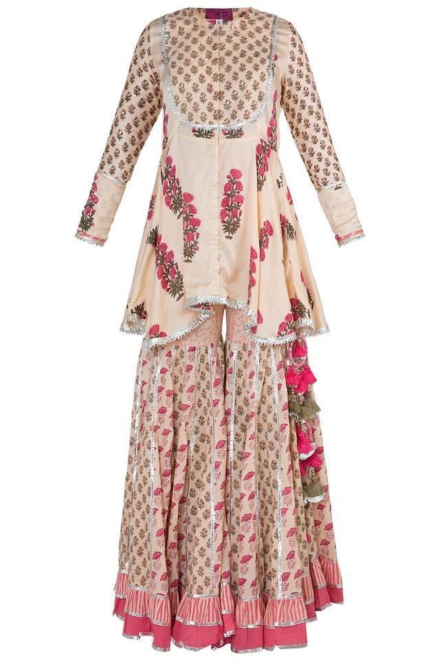 Maayera Designer Collections At Pernia S Pop Up Shop Indian Designer Outfits Sharara Designs Fancy Dress Design