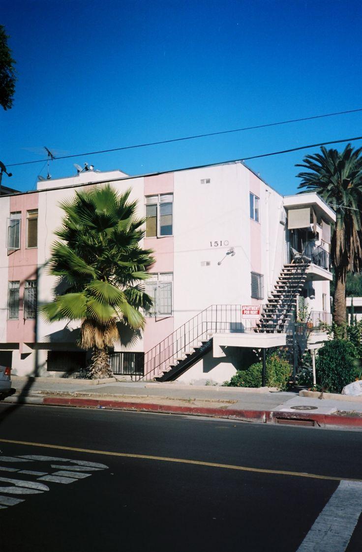 Los Angeles es una ciudad enorme con miles de cosas para hacer. Precisamente por eso hemos hecho esta guía para facilitarte las cosas cuando decidas visitar la ciudad.