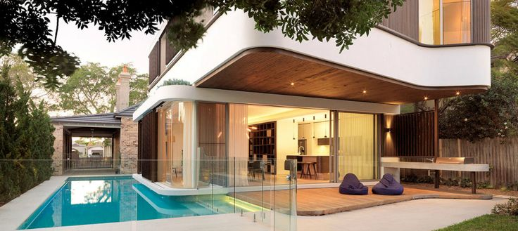 Architecture- A Modern House with an Impressive Swimming Pool! | www.delightfull.eu/blog | #lightingdesign #midcentury #architecture