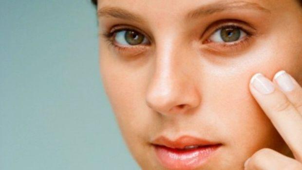 Contorno occhi, i 10 rimedi naturali per uno sguardo riposato