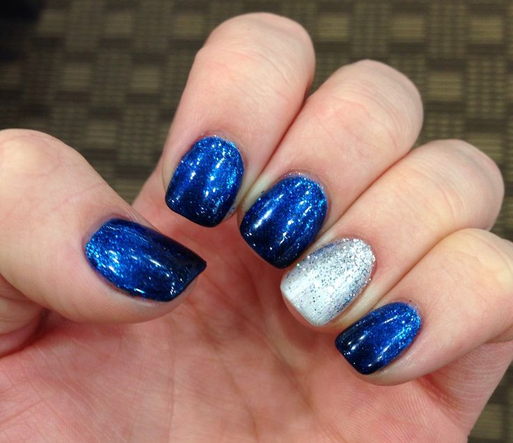 Blue and silver nails. Perfect for winter! Shellac. Glitter gradient. (Nails by Andrea Engler)
