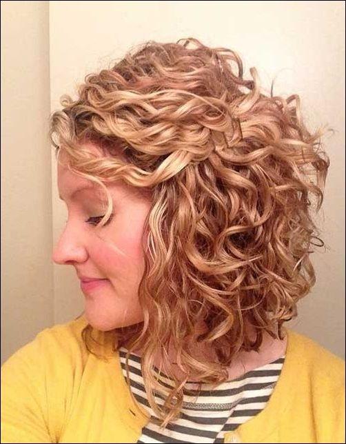 Am Besten Kurze Locken Frisuren Fur Frauen Trend Frisuren Frisuren Lockige Frisuren Locken Frisuren Kurze Locken