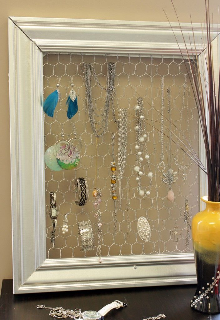 A great idea for organizing jewelry that so everything is easy to see without taking up a lot of dresser top space
