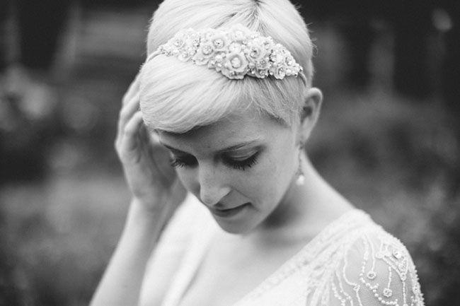 para as noivas com cabelo muito curto... crystal hair piece #acessórios #noiva #casar # Torres Vedras