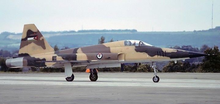 Acidente: caça da Força Aérea Real da Jordânia cai e mata piloto