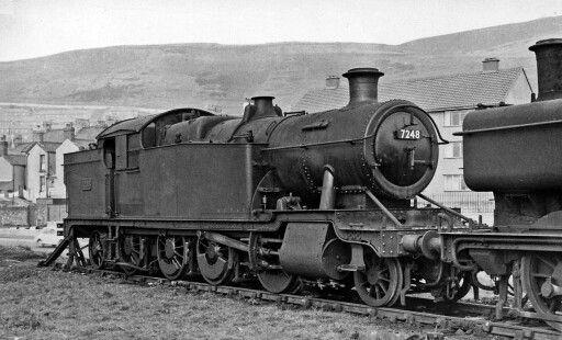 BR (GWR) Collett 72XX class  2-8-2 T