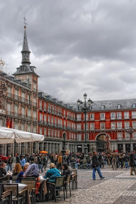 Plaza Mayor, Madrid. Que buena vida! Ñ
