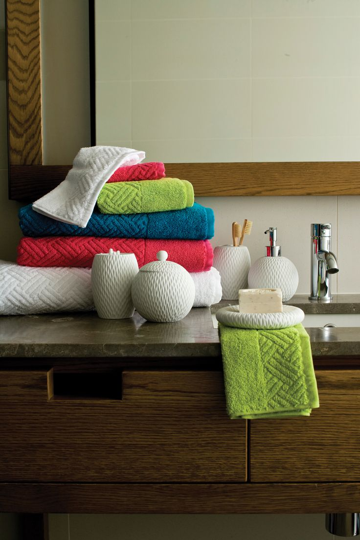 114 best BATHROOM INSPO images on Pinterest | Bath towels ...