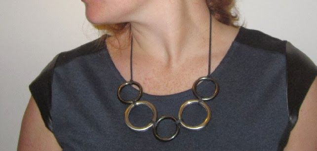Metal ring necklace | Leth.it.be.