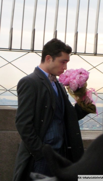 1. The Empire State Building NY- first place i would like to get proposed to with these flowers