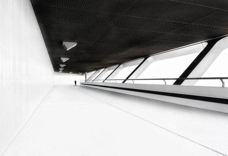 © Ralf Wendrich White world