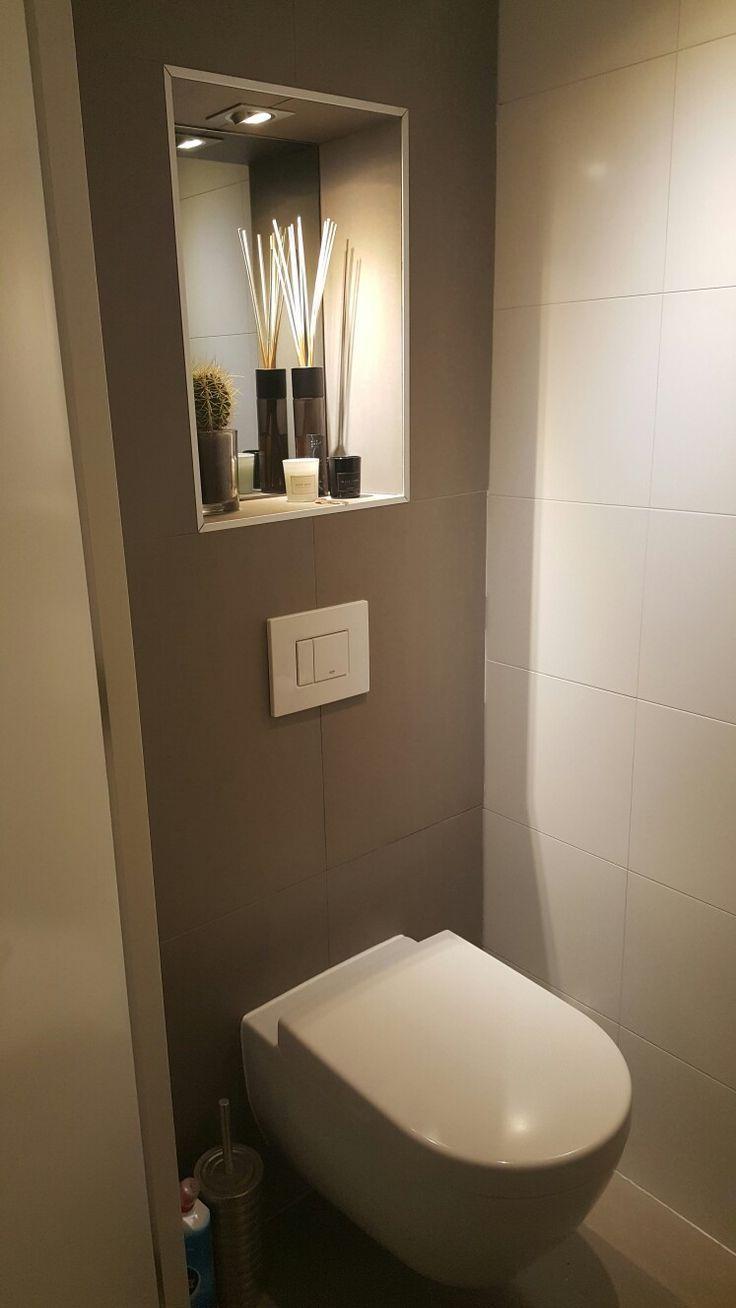 Toilette Nische Grauer Spiegel Taupe Fliese We