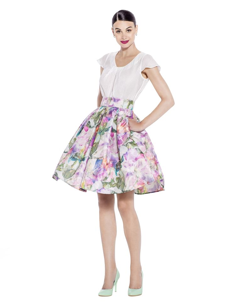 This A - line cut taffeta skirt with soft pleats and hidden pockets, gives off a bright and polished vibe. Be the envy of work colleagues and wear with a mint top for a refreshing look. Fabric imported from France: 100% Polyester / Taffeta Lining imported from Germany: 57% Viscose 40% Polyimide 3% Elastane Washcare: Dry clean MADE IN EUROPE