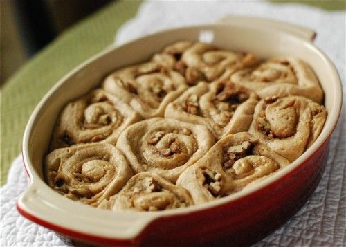 cinnamon-pecan rolls, yum!: Breads Sweet Stuff, Cinnamon Pecans Rolls, Cinnamon Rolls, Glaze Recipes, Vanilla Beans, Beans Glaze, Simple Bites, Cinnamon Recipes, Carbonara