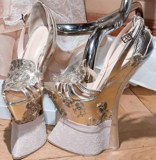 Jan Taminiau Fall 2012 Couture Shoes... Cool shoes, but can you wear them?!?