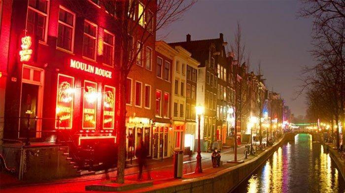 6 Fakta Red Light District Di Amsterdam Belanda Kawasan Prostitusi Premium Psk Wajib Bayar Pajak Red Light District Holland Cities Amsterdam
