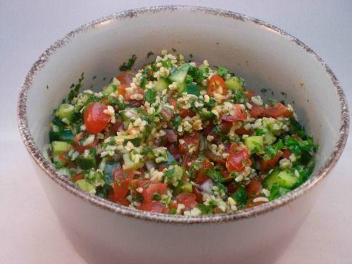 Tabouleh – eller tabbouleh – er en salat fra Mellemøsten, bestående af bulgur eller couscous blandet med grøntsager og urter – masser af grøntsager og urter – og tilsat citronsaft og olivenolie.    Tabouleh er syrlig og