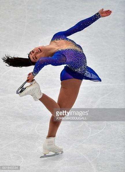 Upskirt ice skating event #9