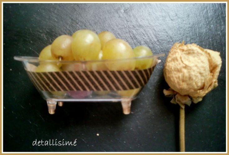 Bañeritas para las uvas de Nochevieja...decoradas con un toque dorado.. ettura@yahoo.es