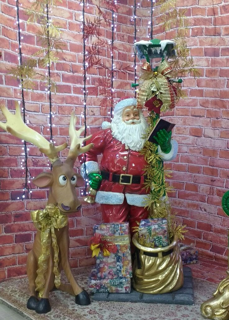 Papai Noel e sua rena!  Têxtil Abril,Brás!