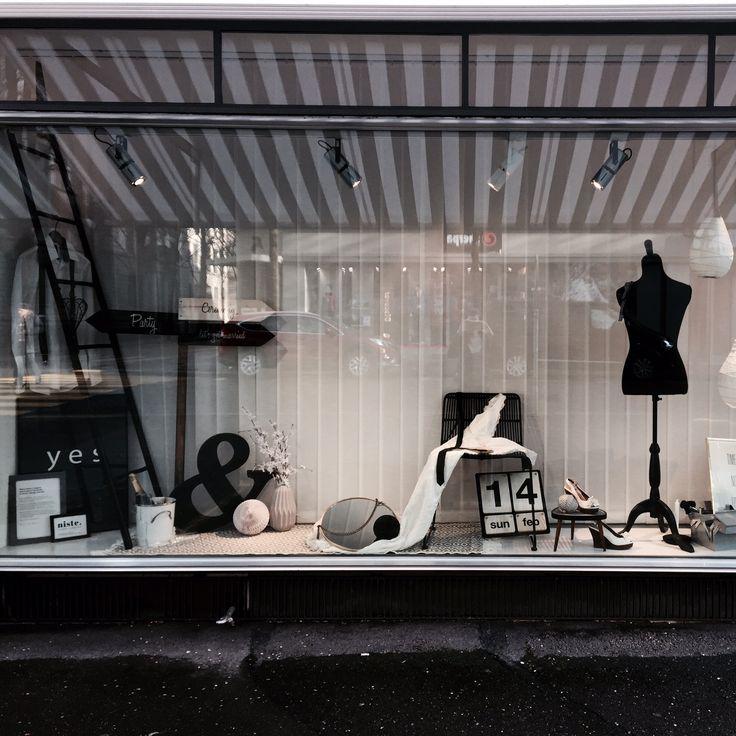 Der Frühling ist nicht mehr weit, die Hochzeitssaison kann beginnen. Let's get married and let your dreams come true. ❤️  Schaufenster beim Kosmetikstudio Jessica Weibel an der Hirschmattstrasse 1 in Luzern made by niste - creative simplicity.
