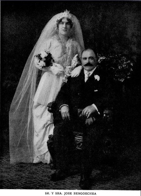 Wedding picture of Jose Bengoechea and Margarita Nachiando (c.1912)