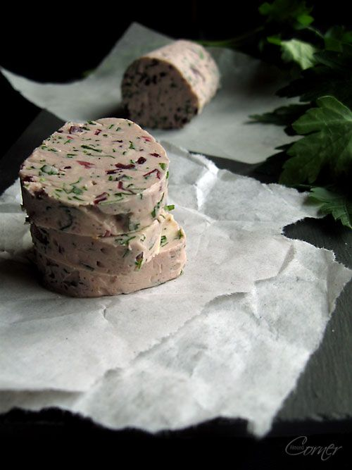 """Almond Corner: Red Wine Butter 