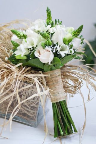 ramo de novia blanco - Una preciosa composición floral que desprende sencillez y dulzura - white bridal bouquet - white wedding bouquet