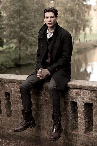 This outfit is perfect for the guy who's a little bit refined, but also edgy and rebellious Ben Barnes